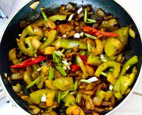 aubergine and pepper bazi, bengali cuisine